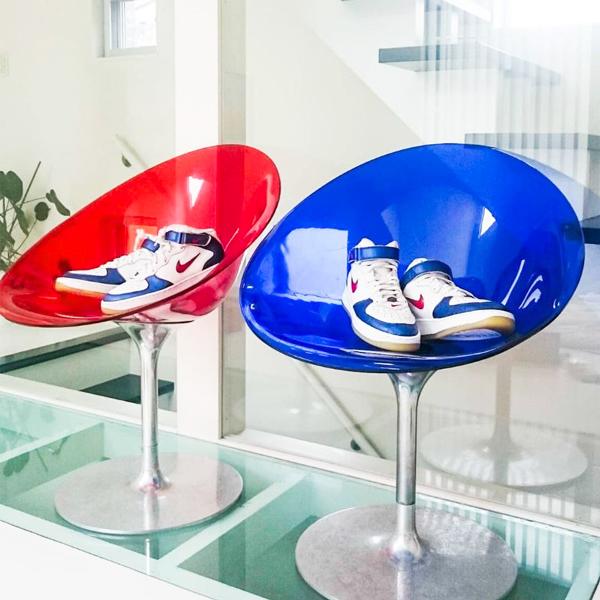 イタリア製のカラフルな椅子