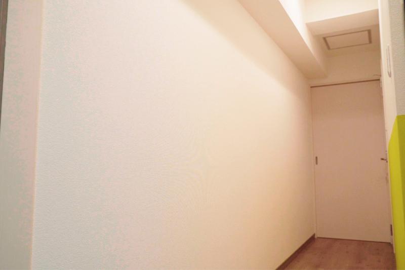 DIY前の廊下壁面