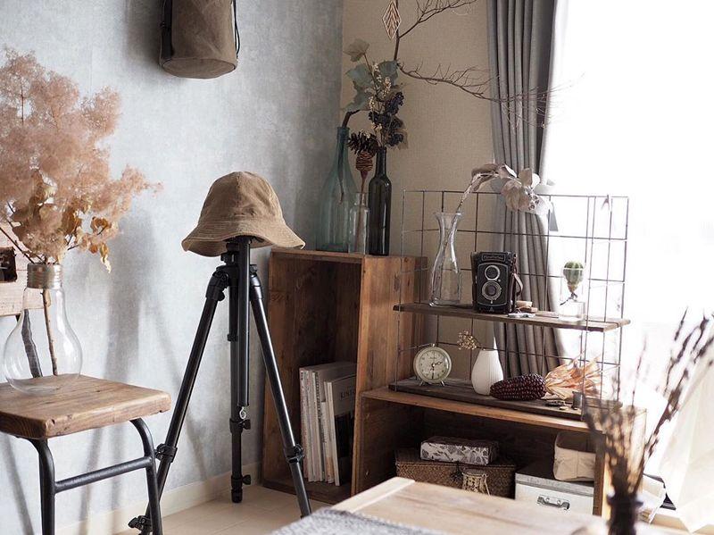 リンゴの木箱で作った飾り棚