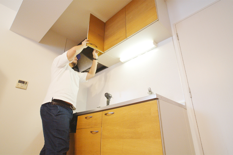 すべてのキッチン扉に取っ手を付ける