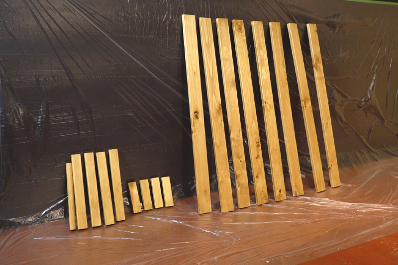 ワックスを塗った木材を乾かす