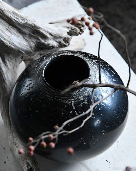 作家安齊賢太さん作の壺