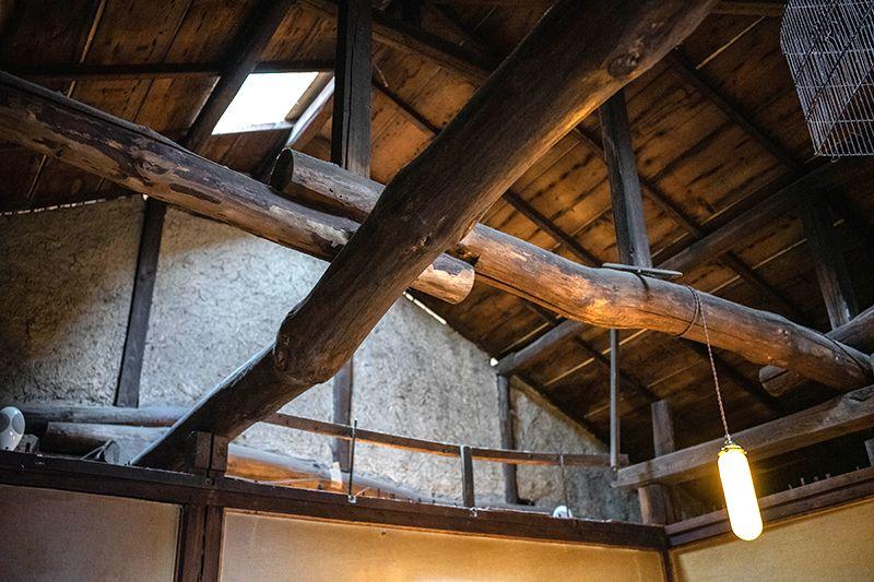 天井や柱は元々あったものを活かす工夫が