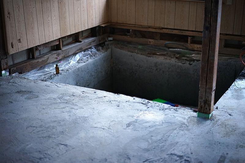 穴を掘って作った地下倉庫
