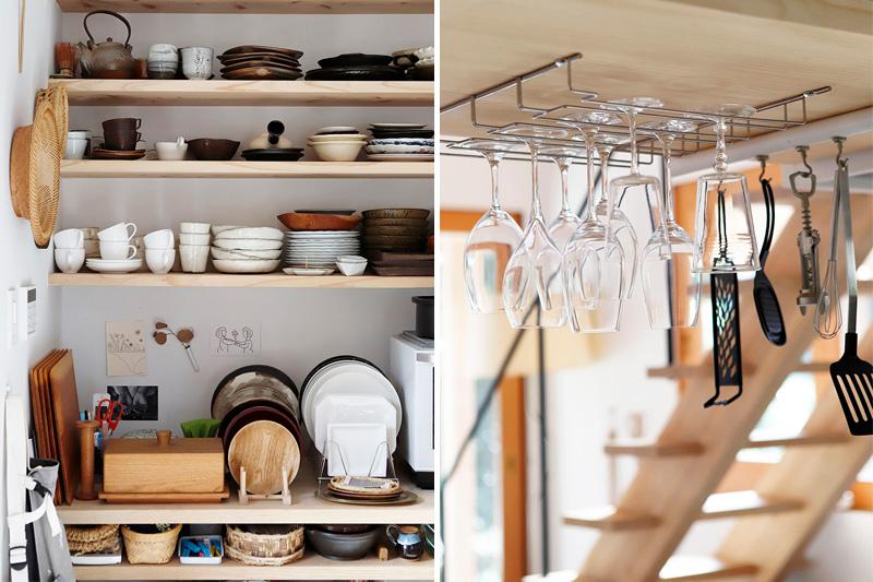 食器が並ぶ見せる収納棚とワイングラス