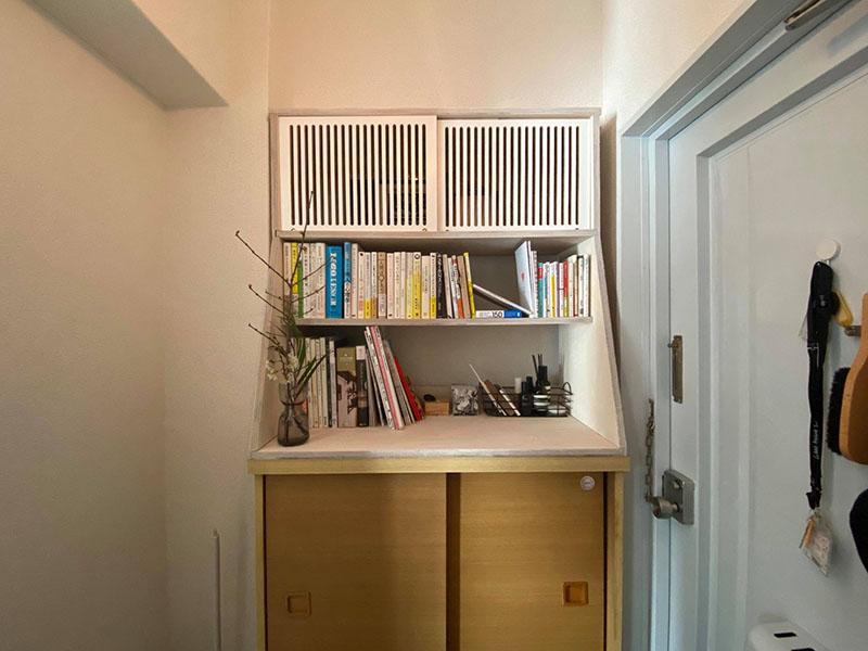 沼田さんがEMARFで作った靴箱上の収納スペース