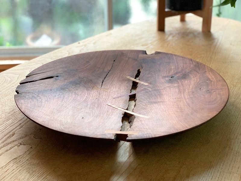手作りの大きな木の器
