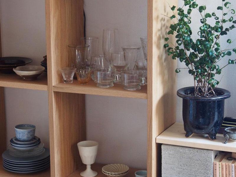 食器やグラスは見せる収納に