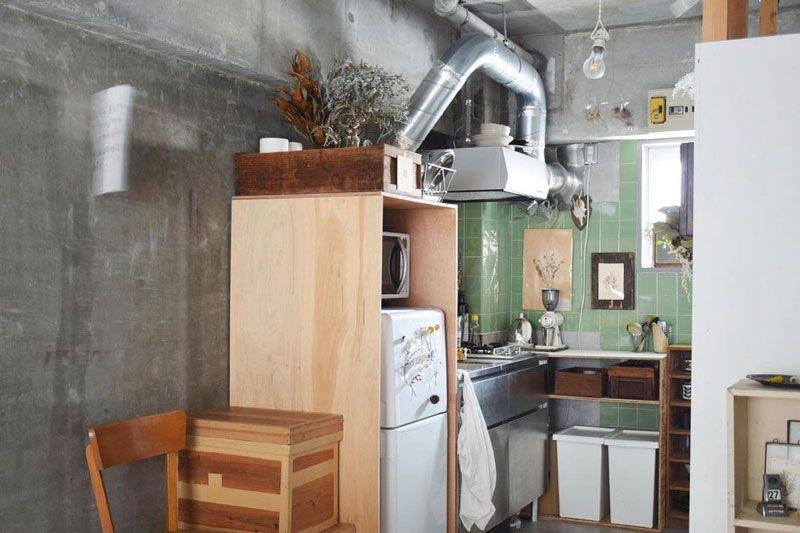 DIYした冷蔵庫目隠し棚